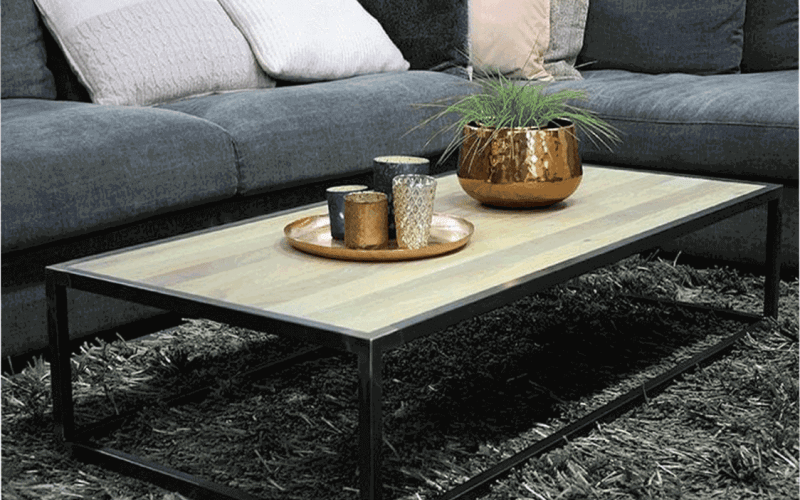 Meubel salon tafel